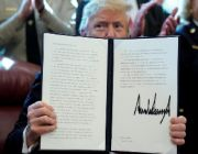 Trump vetoes measure to end his emergency declaration on border wall