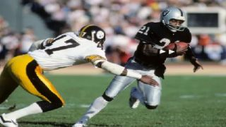 Former Raiders great Cliff Branch dies at 71