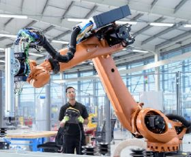 The 5 Biggest Challenges for Smart Factories (and Tips to Tackle Them)