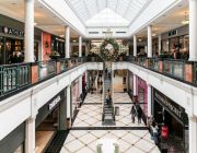 As store owners sign more short-term leases, landlords are taking a risky bet on the future of retail