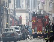2 firefighters killed in Paris bakery gas explosion; dozens injured