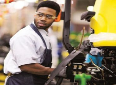 Bringing Lifelong Learners into the Fold on Manufacturing Day