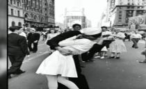 Greta Friedman, believed to be woman kissed in iconic V-J Day photo, dead at 92