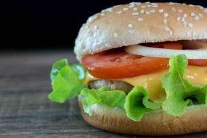 Healthy Fast Food: The Best Burgers Under 300 Calories